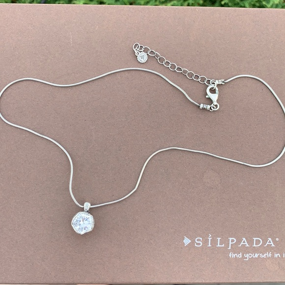 N2380 Silpada Center stage sterling cubic necklace